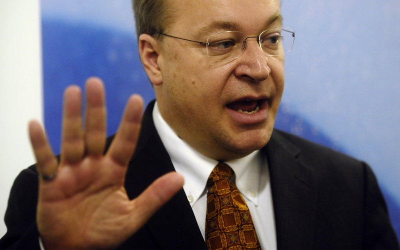 Nokia CEO Stephen Elop speaks with reporters Monday at the Mobile World Congress in Barcelona, Spain.
