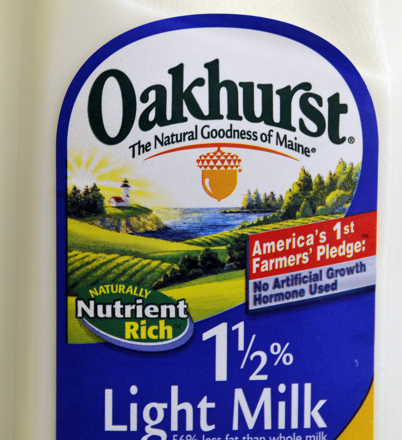 A milk label shows Oakhurst's trademark pledge about not using artificial growth hormones.