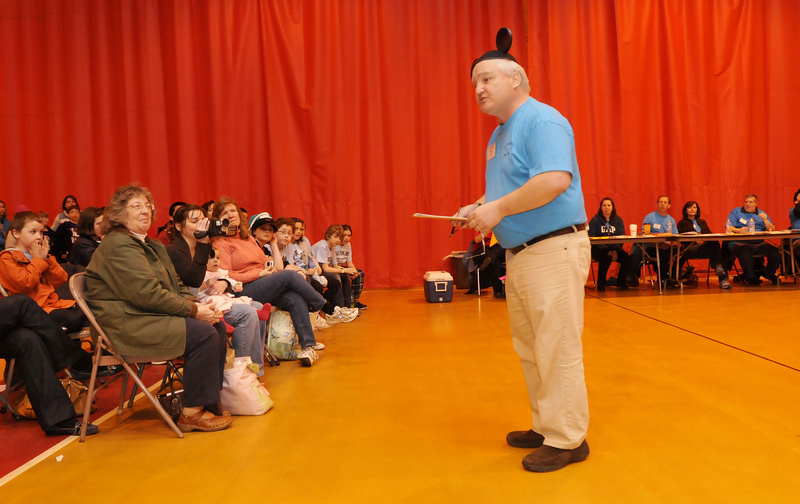 Judge Mike Harris of Biddeford introduces Village Elementary School before Extreme Mouse Mobiles.