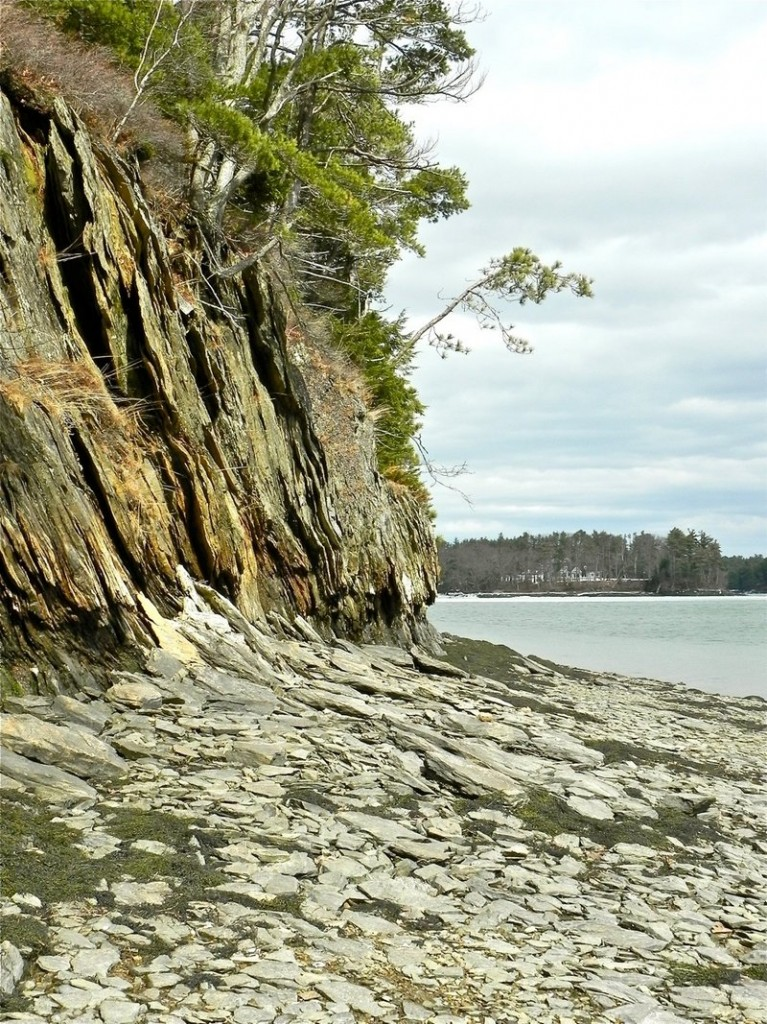Eroding cliffs line some of the route for paddlers in Long Reach.