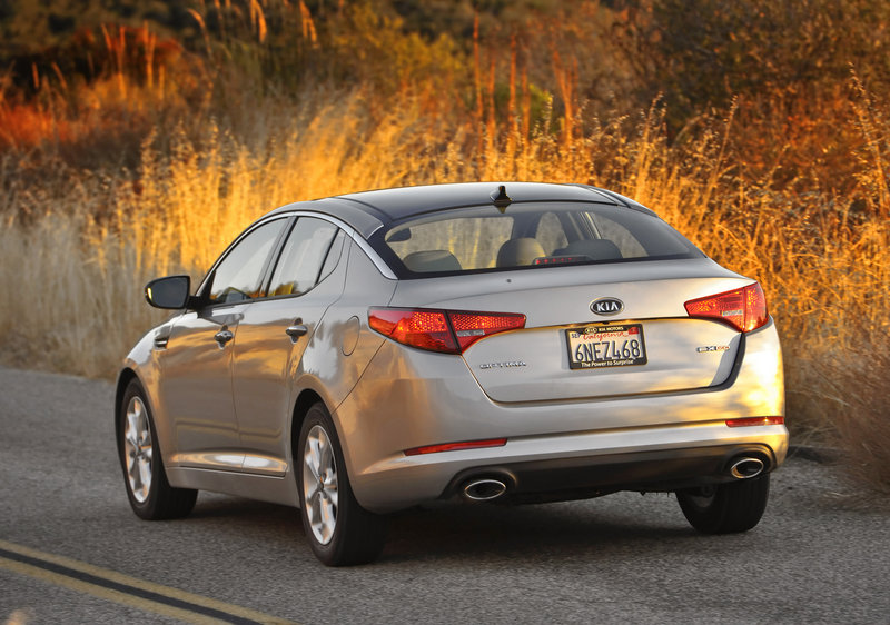 The Kia Optima is an attractive-looking sedan whether you are looking from front or back.