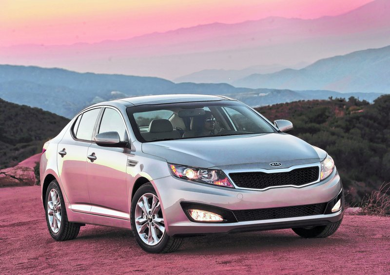 The 2011 Optima bears virtually no resemblance to its predecessor, which is probably a good thing.