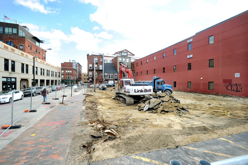 Site work has begun in Portland on Oak Street Lofts, a four-story building in the arts district that will have 37 efficiency apartments and a large community space on the ground floor.