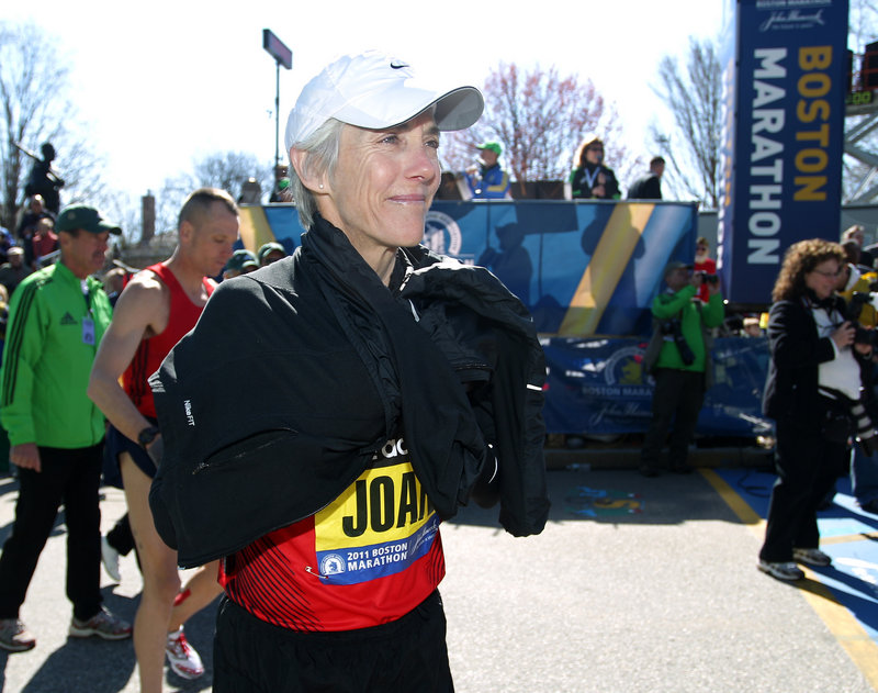 Joan Benoit Samuelson stands at the starting line in Hopkinton, Mass., before the Boston Marathon gets under way Monday.