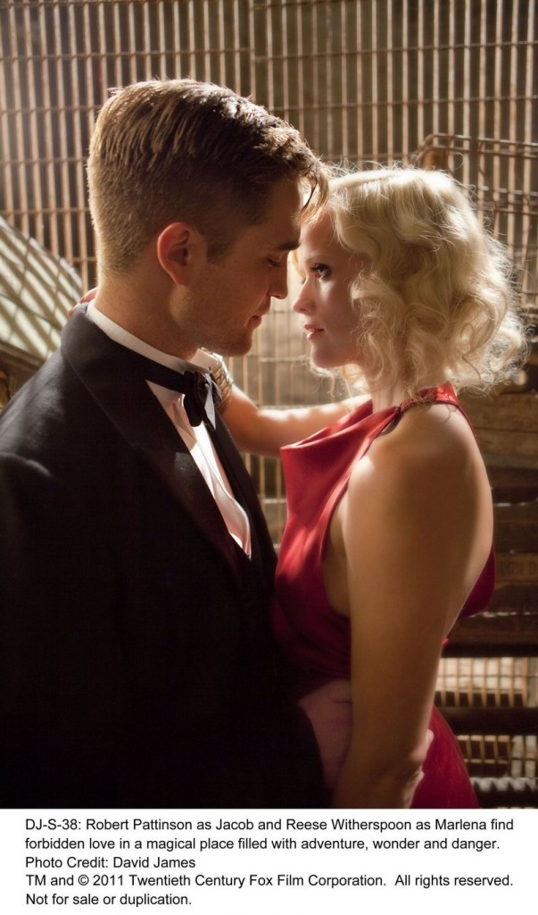 Robert Pattinson and Reese Witherspoon in Water for Elephants.