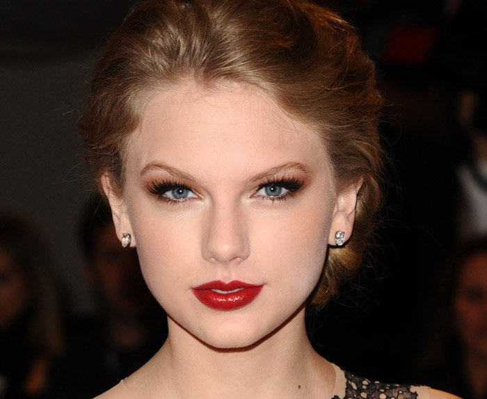 In this May 2, 2011, photo, singer Taylor Swift arrives at a gala at the Metropolitan Museum of Art Costume Institute in New York.