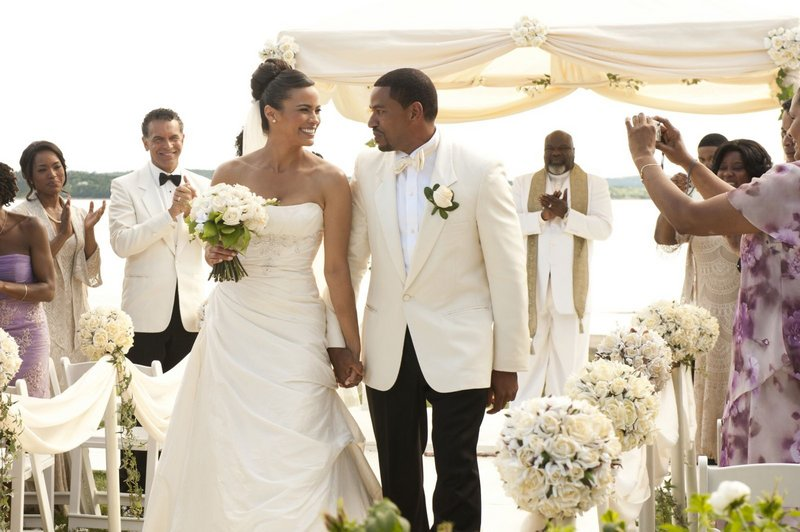 """Angela Bassett, Brian Stokes Mitchell, Paula Patton, Laz Alonso and T.D. Jakes in """"Jumping the Broom"""" from TriStar."""