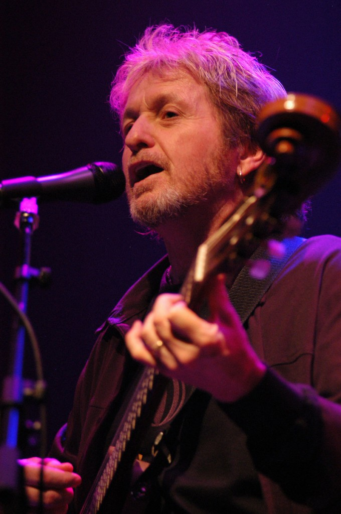 Jon Anderson, lead singer of Yes, invited musicians via his website to collaborate with him on his upcoming solo album,
