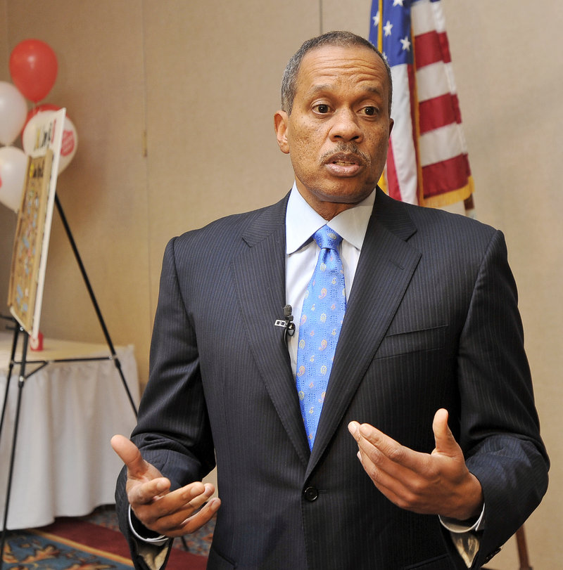 "Juan Williams, a nationally known political analyst, was the guest speaker for the Salvation Army's ""Champions for Kids"" dinner at the Holiday Inn by the Bay in Portland Thursday."