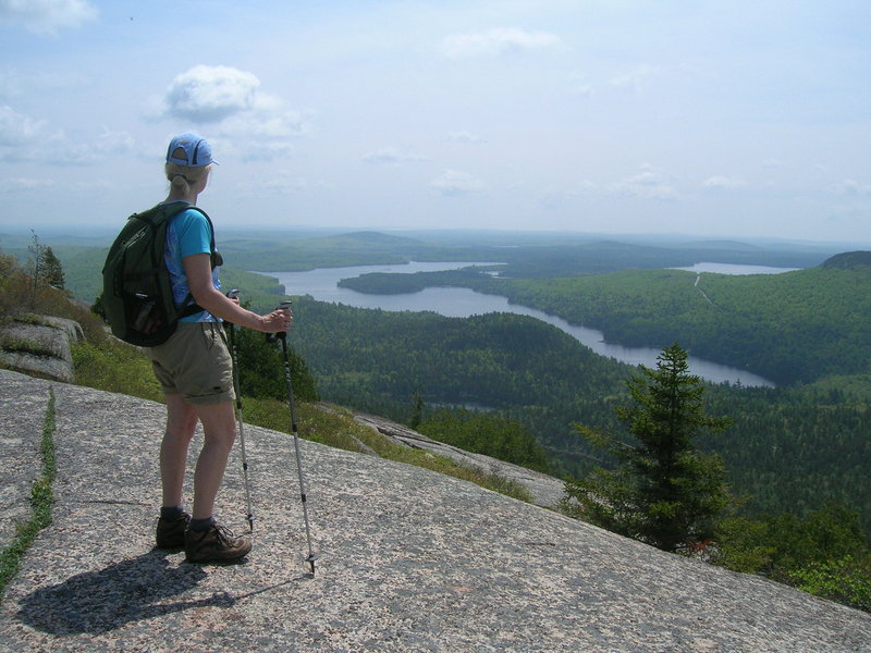 The top of Tunk Mountain offers a beautiful summit ridgeline and cliffs with fantastic views.