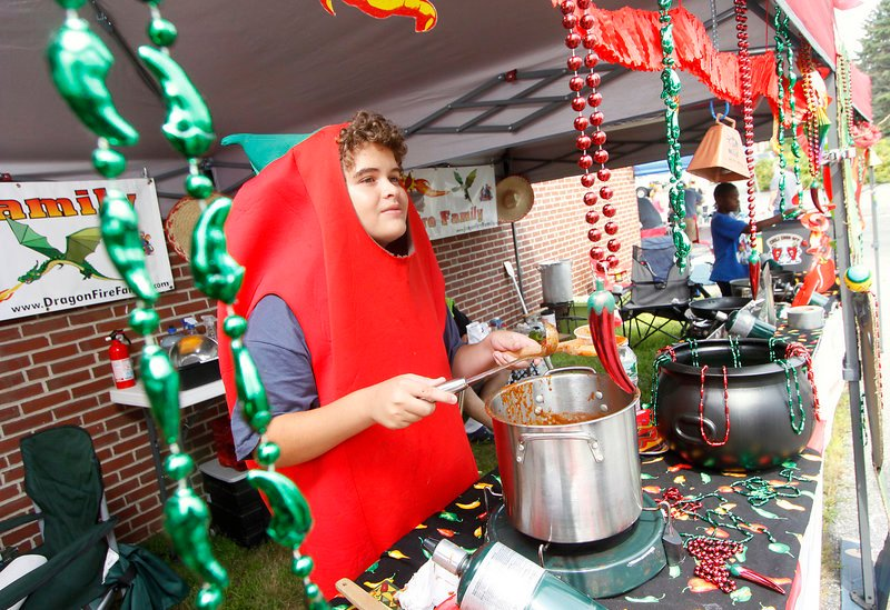 Michael Kniffin of Granby, Conn., offers Dragon Fire Family chili.