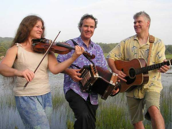 Ti' Acadie performs its rollicking old-timey music of Quebec and New England on Wednesday in South Carthage and on Sept. 15 in Unity.
