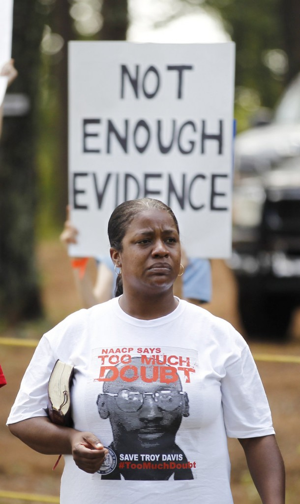 A woman attends a rally for Troy Davis in Jackson, Ga., on Wednesday.