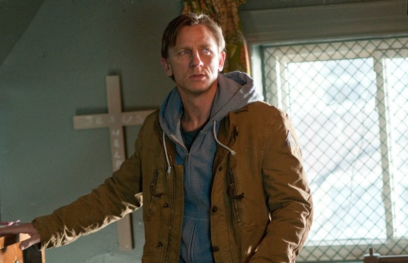 Daniel Craig tries to get to the bottom of a grisly murder in