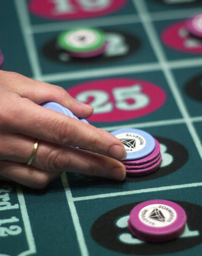 High-stakes table games would be permitted at Hollywood Slots and in a new Lewiston casino if county and state referendums pass.
