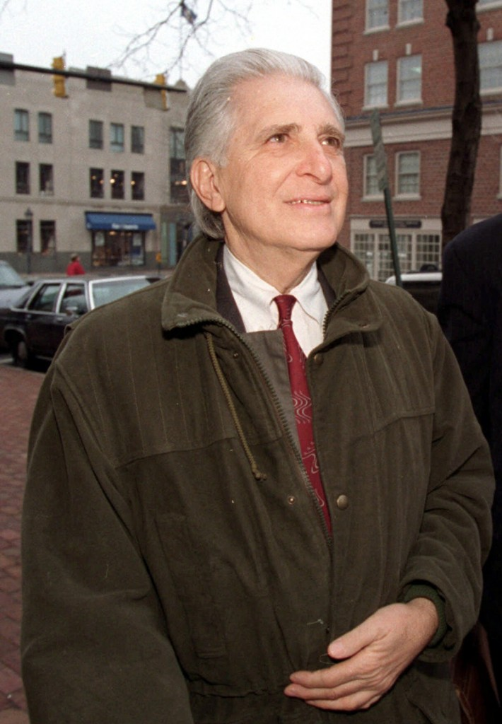 William Aramony, who died Friday at 84, built the United Way of America into one of the nation's best-known charitable groups, but he served a six-year prison sentence for fraud and tax evasion related to a scandal involving the agency he had led.