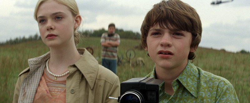 Elle Fanning and Joel Courtney in