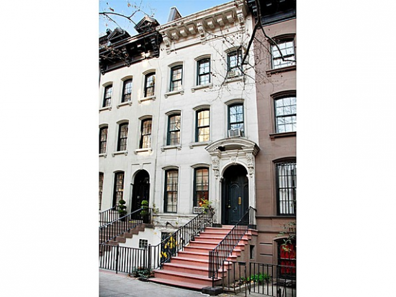 This iconic New York City brownstone from the movie