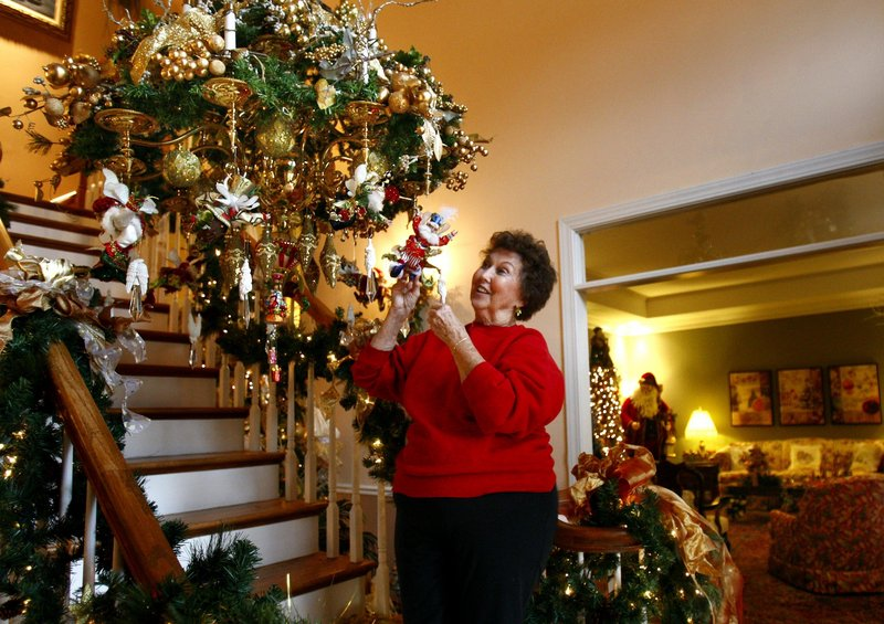 For some people, summing up their family's activities in a year-end newsletter is as much a part of the season as hanging decorations. Charles Packard offers his own tongue-in-cheek take on the tradition.