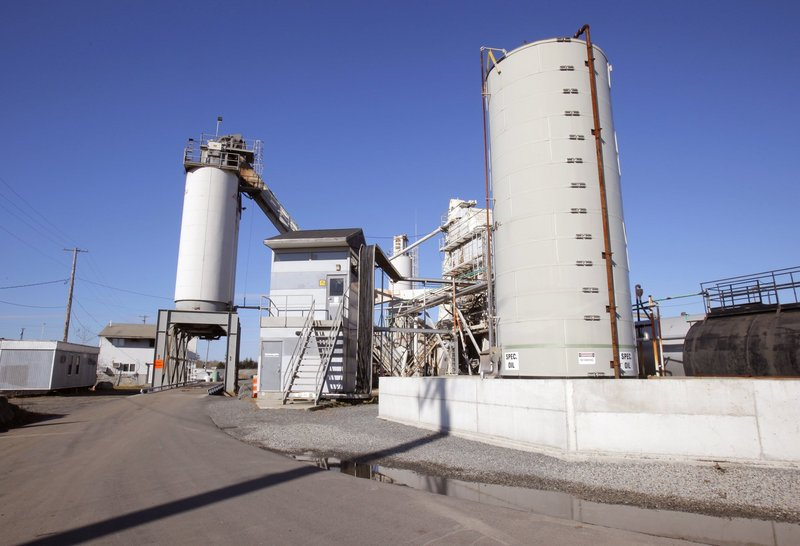 Pike Industries' asphalt plant is on Main Street in Westbrook. Pike resumed quarrying at Spring Street on Friday, nearly four years after nearby Idexx first took issue with the operation.