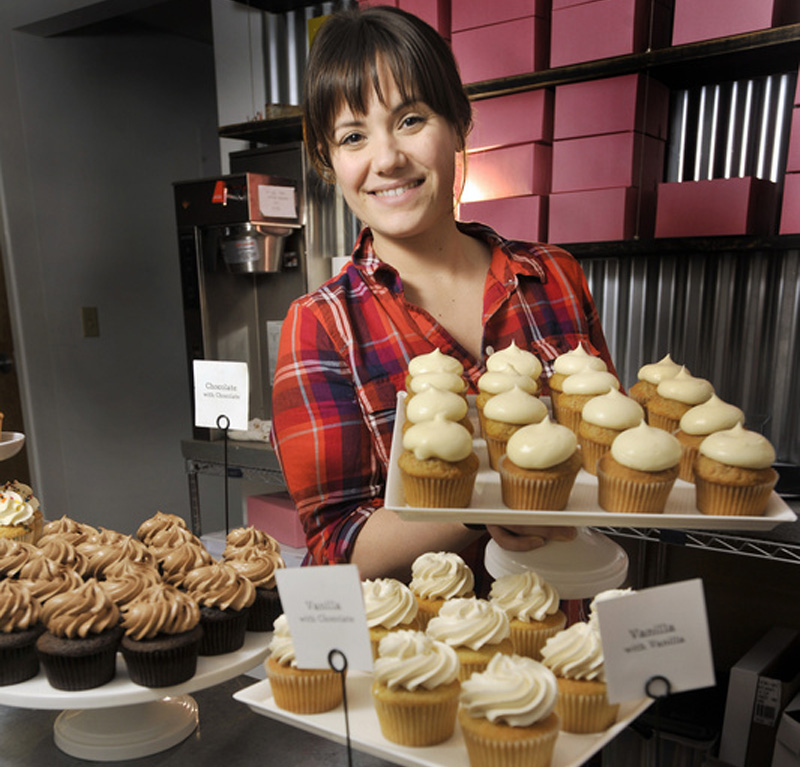 "Alysia Zoidis, owner of East End Cupcakes in Portland, made it to the finals on TV's ""Cupcake Wars."""