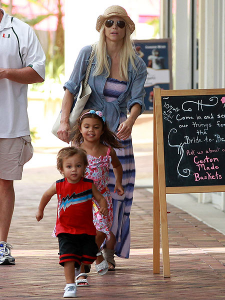 Elin Nordegren has two children, Sam and Charlie, with her ex-husband, golfer Tiger Woods.
