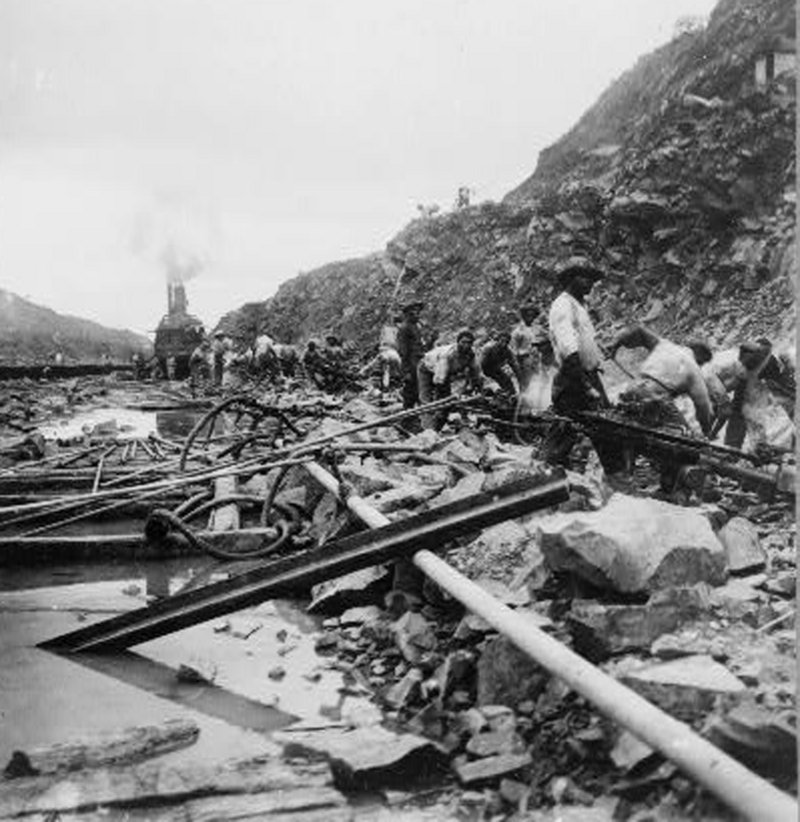 In this historical photo, workers are shown constructing the Panama Canal in 1909.