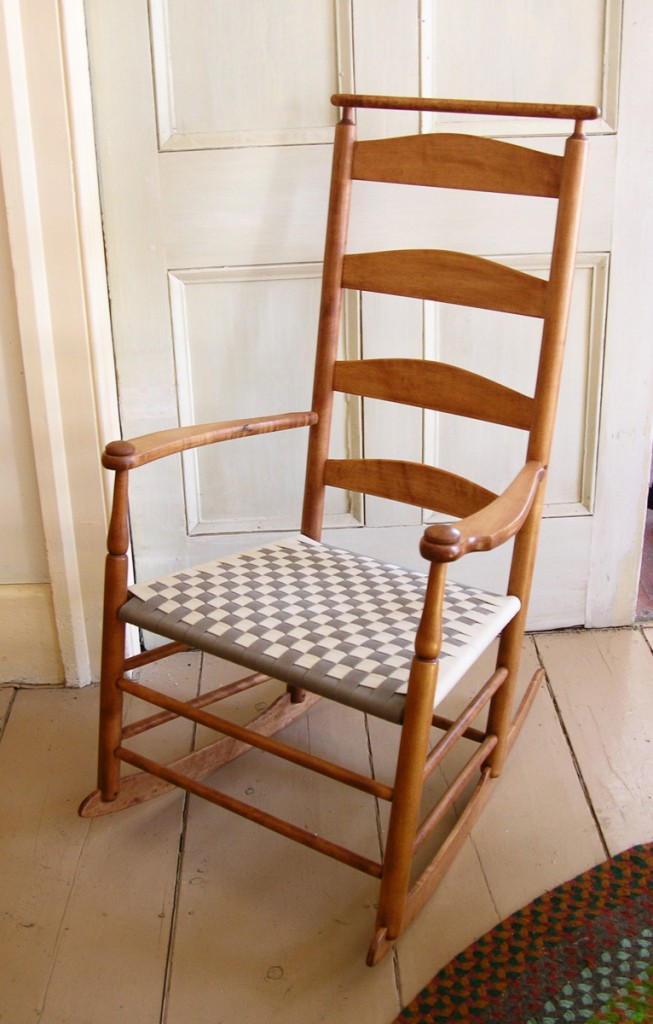 Incroyable This Chair By S. Timberlake Has A Shaker Shawl Bar For Hanging A Shawl Or