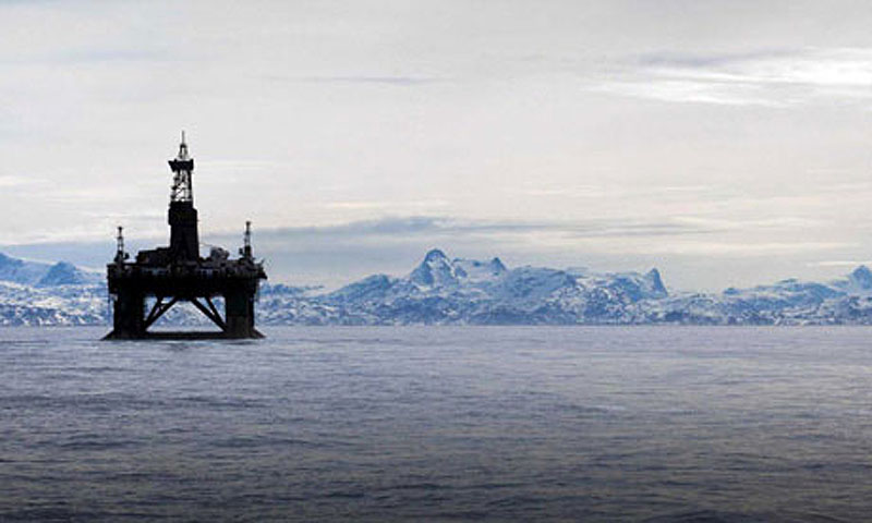 The 53,000-ton Leiv Eiriksson oil rig near Greenland.