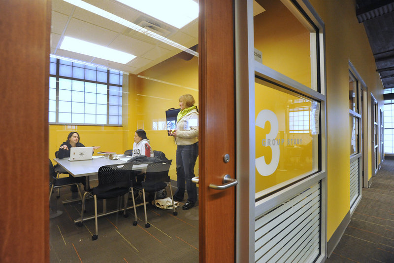 After $400,000 worth of renovations that started in the summer, the Learning Commons at the Glickman Family Library on the Portland campus and another in the library on USM's Gorham campus opened last month.