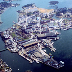 A 2006 aerial photo of the Portsmouth Naval Shipyard.