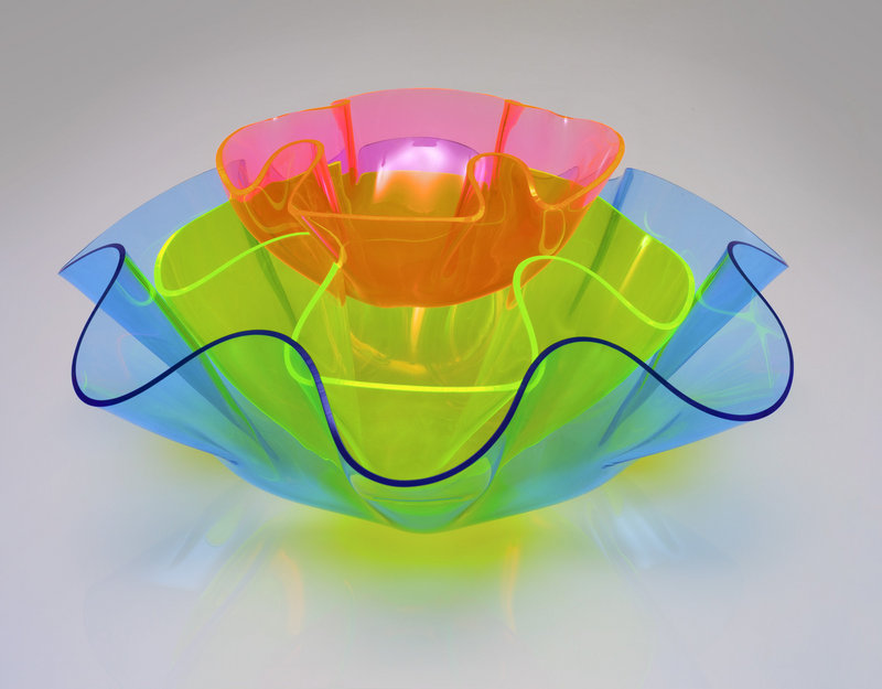 Art Innovation Style's wavy acrylic bowls come in an array of neon hues.