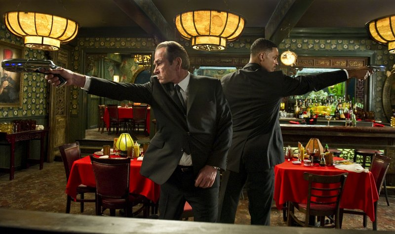 Tommy Lee Jones, left, and Will Smith as Agents K and J in