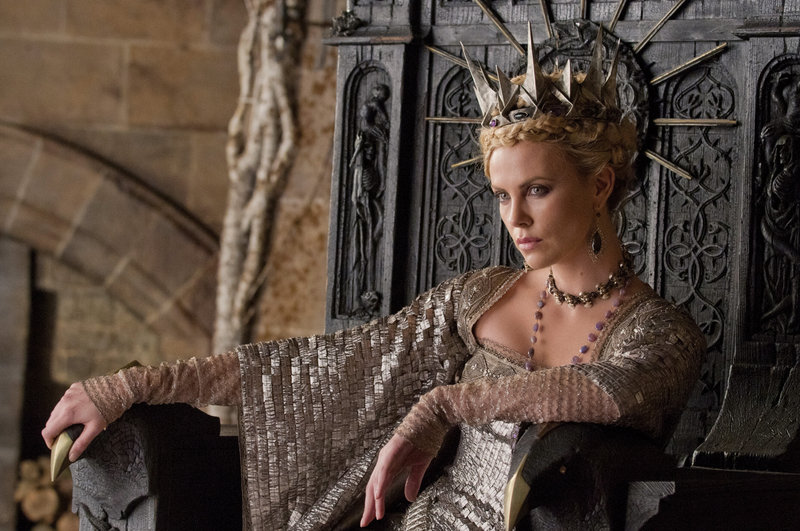 Charlize Theron plays the evil Queen Ravenna.