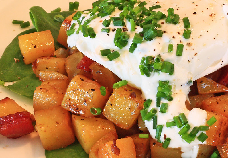 Poached eggs on hash