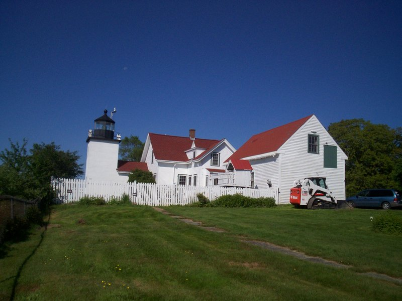 Fort Point Light Station and the remains of Fort Pownall are off the beaten path but offer an enjoyable day.