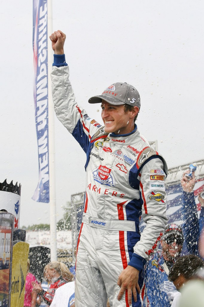 Kasey Kahne climbed four places in the Sprint Cup standings Sunday and moved to the head of the pack of those seeking a wild-card spot in the season-ending Chase.