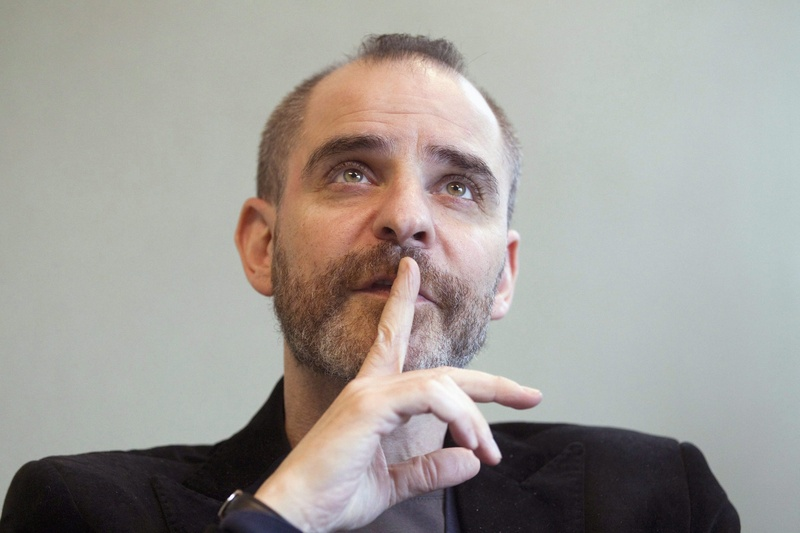 David Rakoff, an award-winning humorist whose cynical outlook on life and culture developed a loyal following of readers and radio listeners, died Thursday after a long illness, Doubleday and Anchor Books announced.