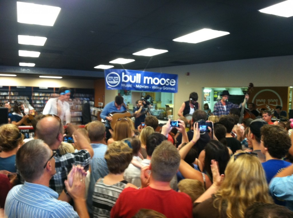 Mumford & Sons performs live for a crowd of lucky fans at the Scarborough Bull Moose. Photo by Aimsel Ponti/Staff Writer