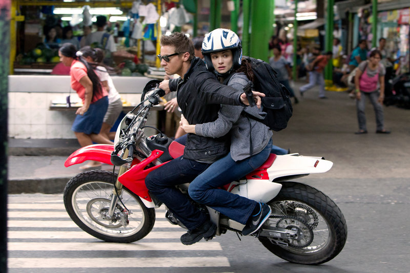 """Jeremy Renner and Rachel Weisz, as Dr. Marta Shearing, bring """"The Bourne Legacy"""" to life in their scenes together."""