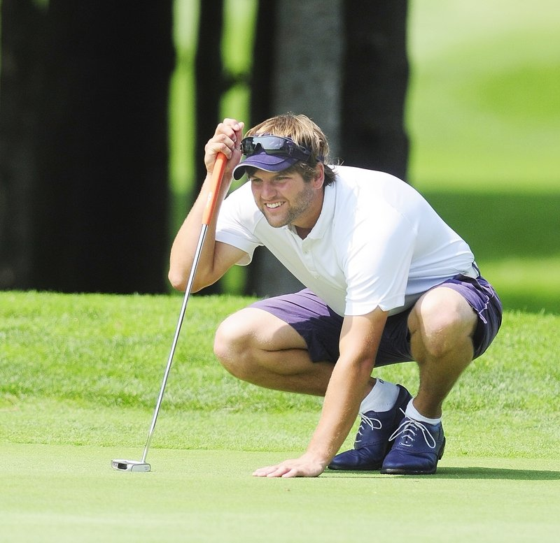 Curt Jordan, lining up a putt during the final round of the Match Play Invitational on Friday, advanced by beating Joe Walp before running into a hot opponent in Johnny Hayes IV.