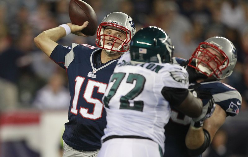 No Tom Brady Monday night. Ryan Mallett started at QB for the Patriots against the Eagles. Mallett was 10 of 20 for 105 yards and one TD in the 27-17 loss.