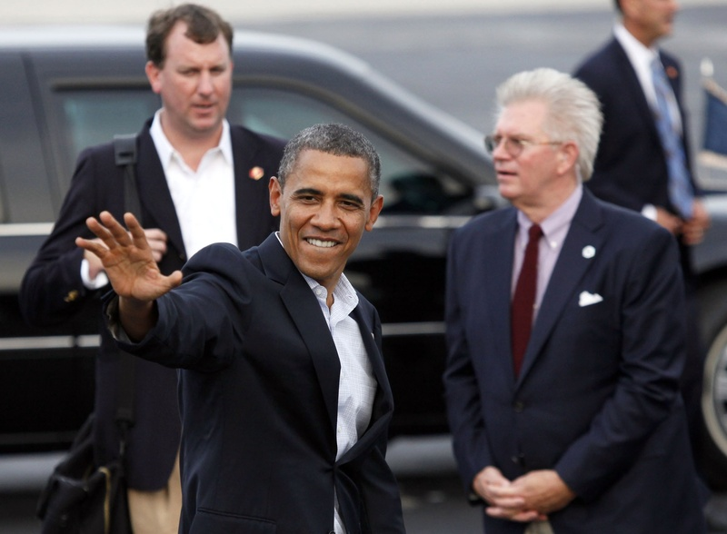 President Obama heads to his car after arriving at Toledo Express Airport in Swanton, Ohio, on Sunday.