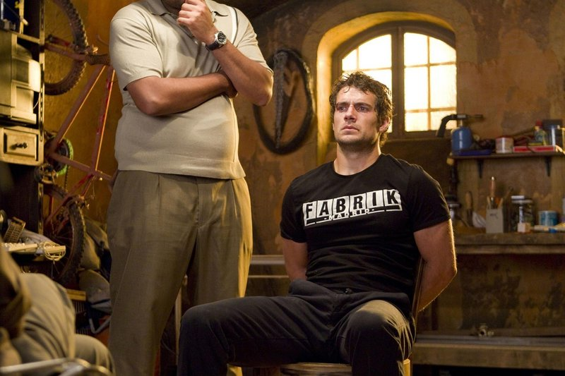 """Henry Cavill in a tough spot in """"The Cold Light of Day."""""""