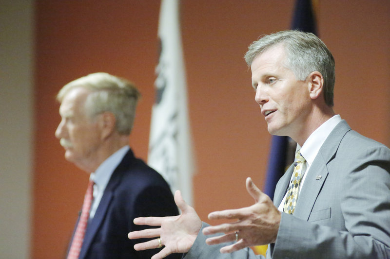 U.S. Senate candidates Charlie Summers, right, and Angus King during their debate at Texas Instruments in South Portland on Wednesday, Sept. 12, 2012. Democratic candidate Cynthia Dill chose not to attend.