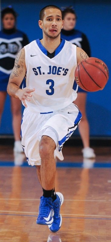 Julio Vazquez, the only senior for St. Joseph's, has been on successful teams, but has not reached the NCAA playoffs.