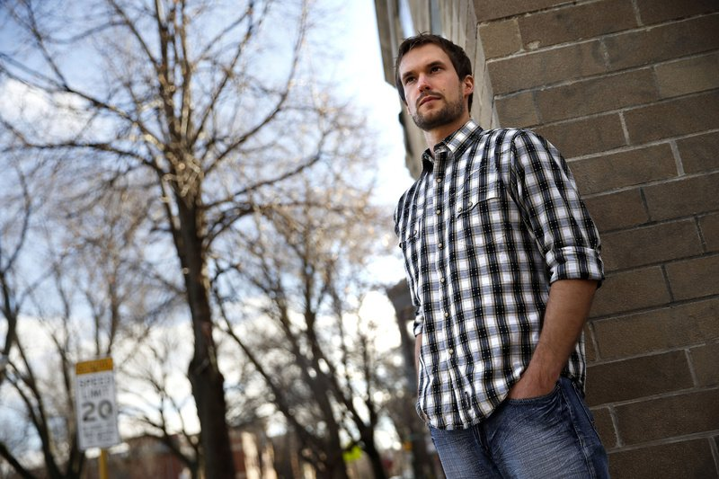 Kevin Ratz, 27, moved recently from his parent's home in suburban Detroit to Chicago where he used an aviation degree to land a job with a flight school. Census data show younger people pushing up the nation's mobility rate. economy-youngadults-bizplus 04000000 FIN krtbusiness business krtcampus campus krtnational national krtedonly mct 04018000 krtnamer north america krtusbusiness u.s. us united states 2012 krt2012