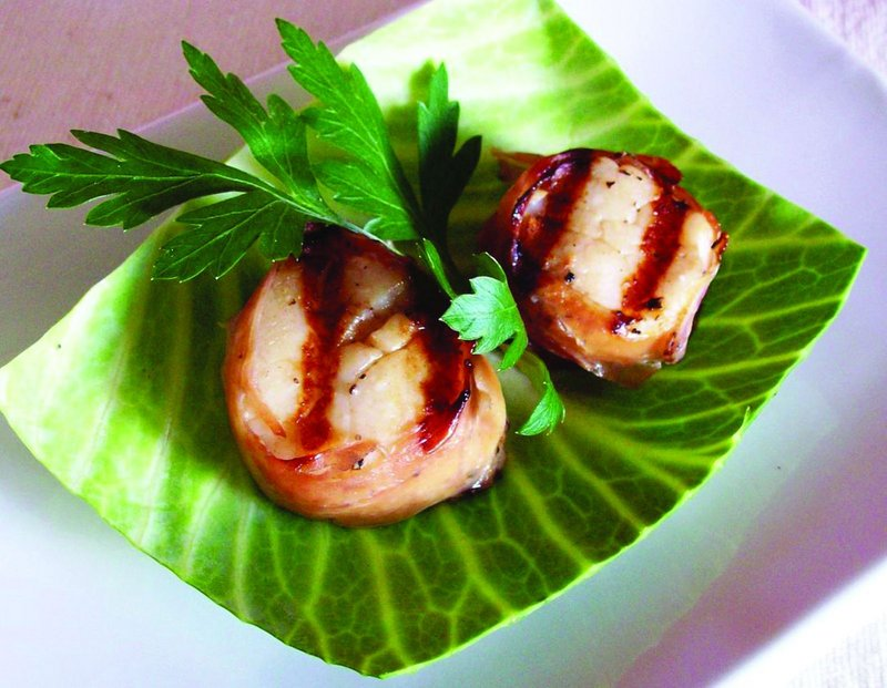 Prosciutto-wrapped scallops