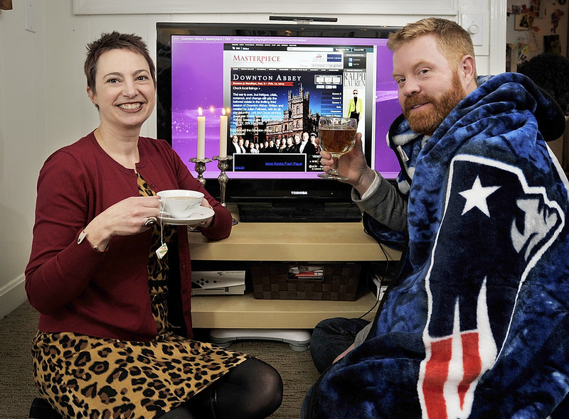 Gillian and Jim Britt have solved their differences on whether they'll watch 'Downton Abbey' or the Patriots in the AFC Championship on Sunday: Using a picture-in-picture feature, they'll watch both.