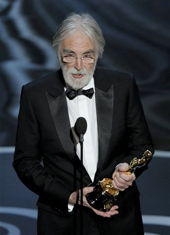 """Michael Haneke accepts the award for best foreign language film for """"Amour."""" Oscars;Oscar"""